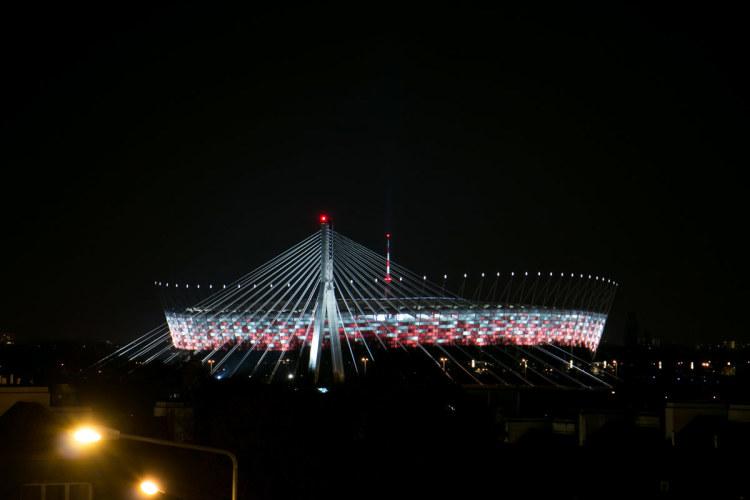 hush_warsaw_stadion_01