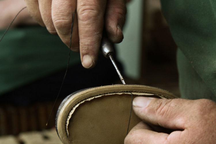 Ręczne szycie butów