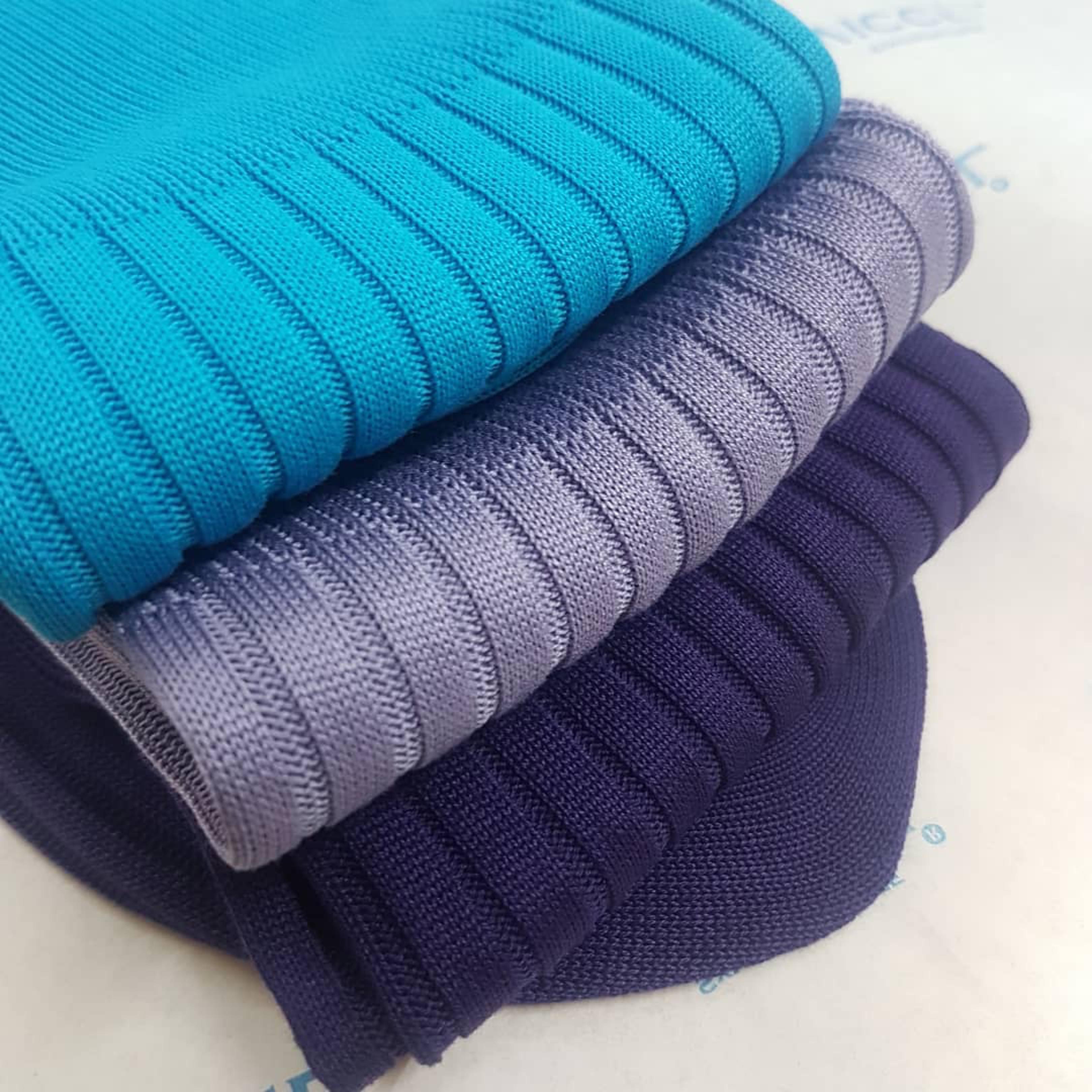 Męskie skarpety z egipskiej bawełny.