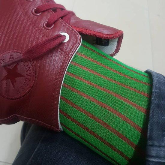 Zielone skarpety męskie.