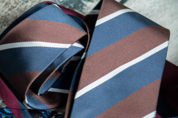 Krawat w pasy