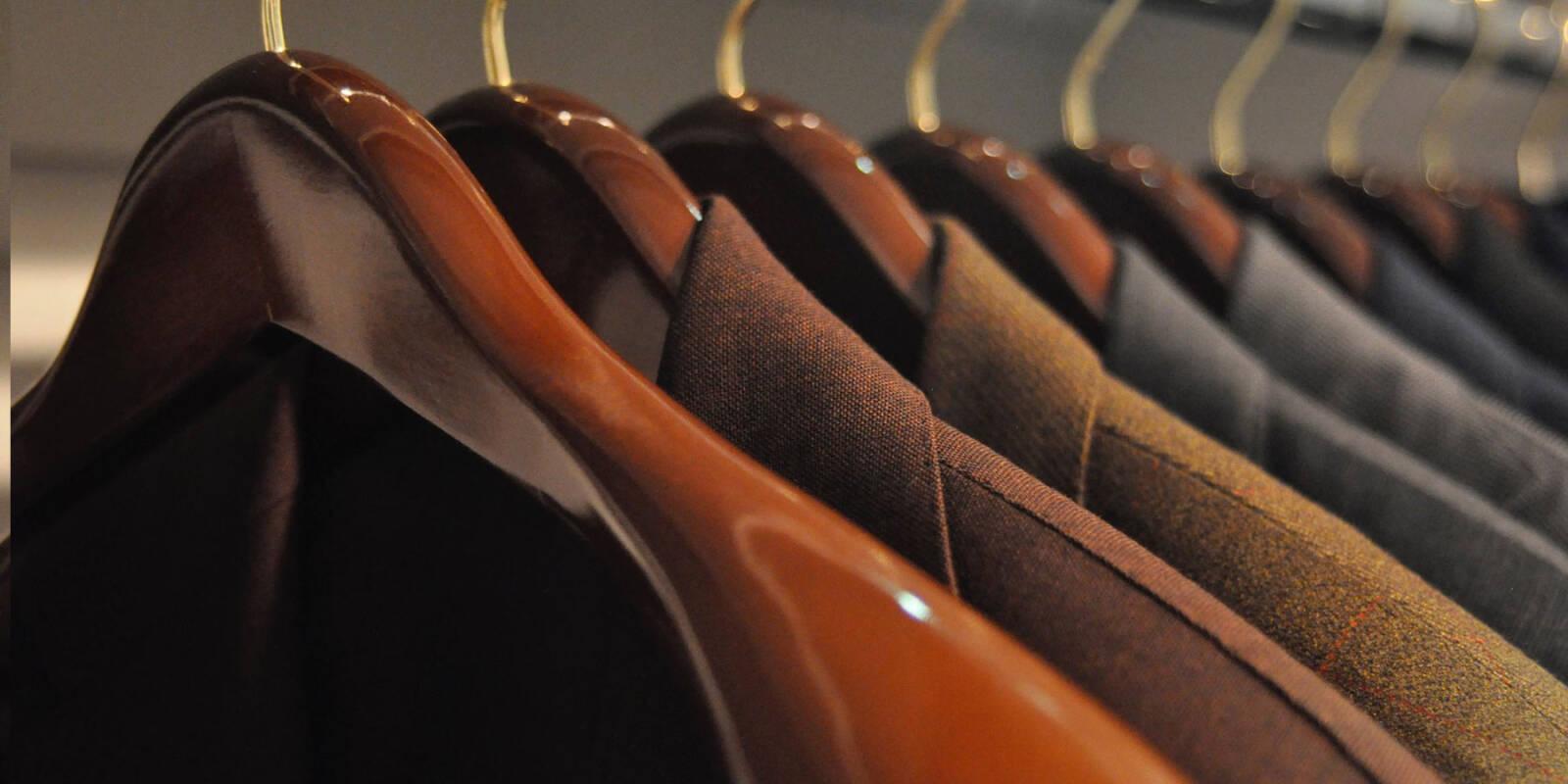 1d6fd235c5 Wieszaki – właściwe przechowywanie ubrań. Prawdziwy dżentelmen powinien nie  tylko dobrze prezentować się w każdej sytuacji i potrafić skomponować  właściwy ...